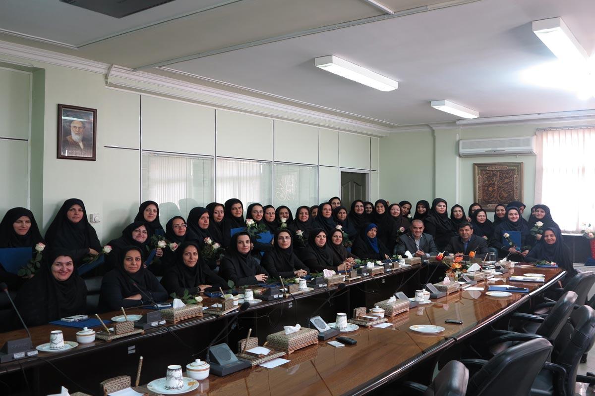 تقدیر از بانوان سازمان به مناسبت هفته بزرگداشت زن و روز مادر(فروردین 94)